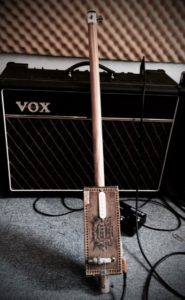 1string-cigar-box-guitar