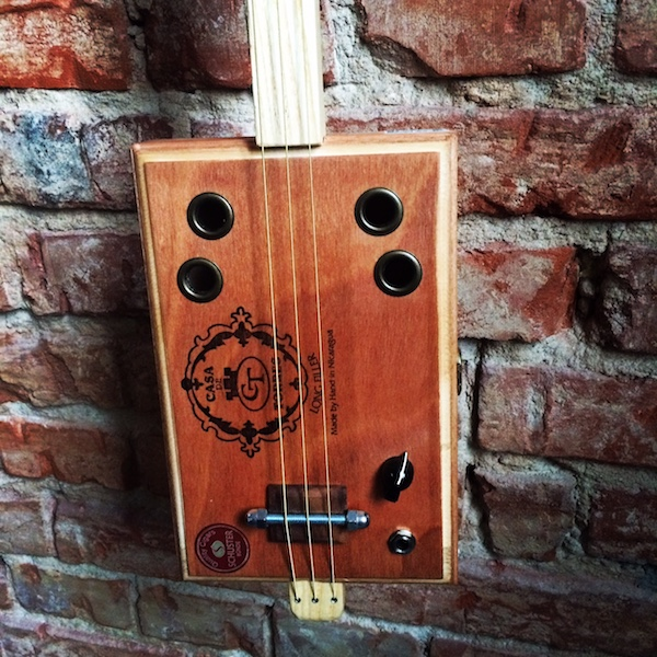 schritt f r schritt zur cigar box guitar tutorials f r anf nger. Black Bedroom Furniture Sets. Home Design Ideas